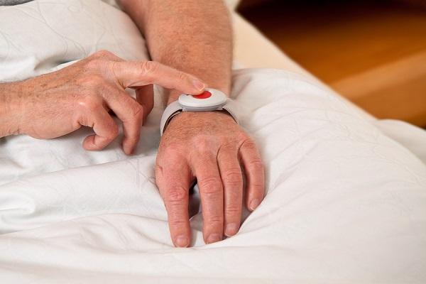 compagnies de bouton de panique pour personnes âgées
